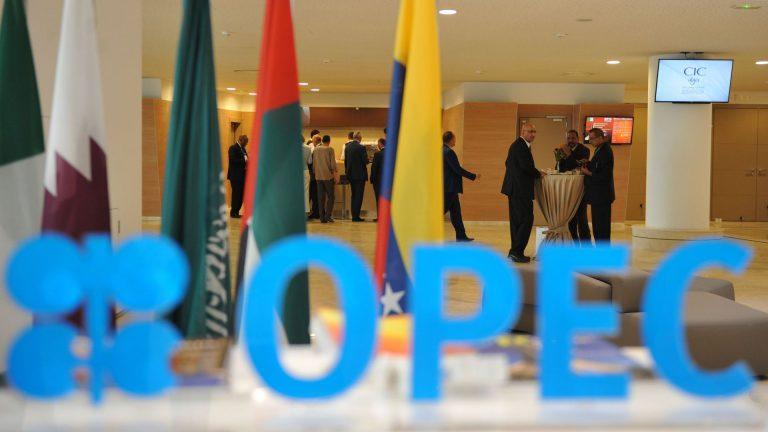 OPEC dan Sekutunya Akan Perpanjang Kesepakatan Pemangkasan Produksi