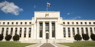 Gold rebound karena prospek ekonomi Fed
